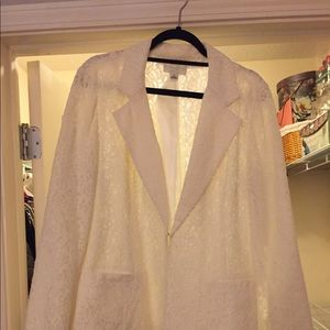 Forever 21 cream and lace blazer
